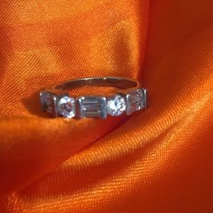 Jewelry - 925 sterling ring size 7